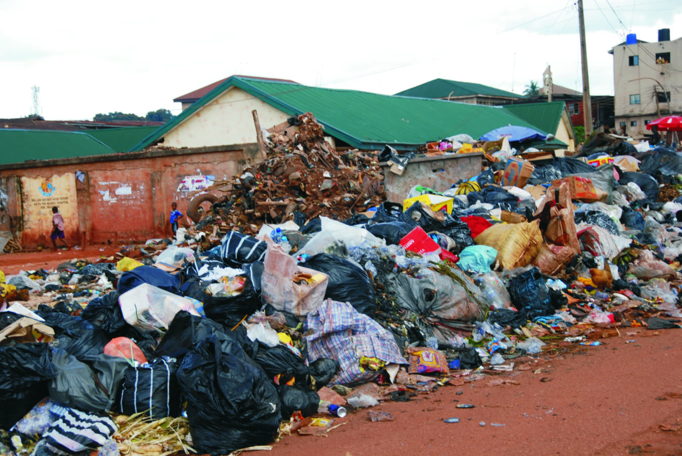 Teenager lynched by waste management agency in enugu - Rd wastebasket ...