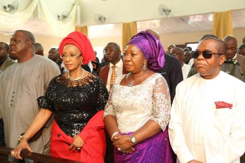 L-R Ayim Pius Ayim, SFG, Chief Mrs. Kama Chikwe, Lady Mercy Orji and Gov. Theodore Orji of Abia state during the funeral service of Late Chukwudifu Oputa at The Sacred Heart Catholic church Oguta in Imo state.