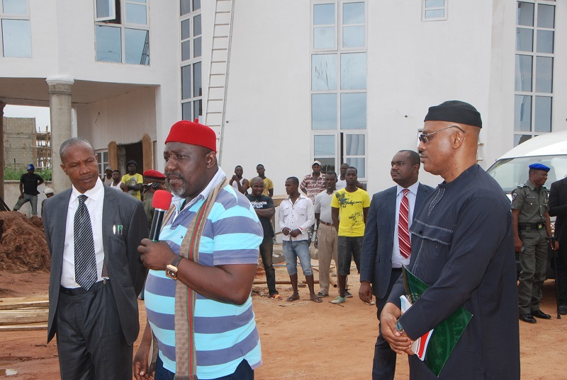 Angry Youths Sack Imo Govt House,  As Pro – Okorocha Rally Turns Into Protest