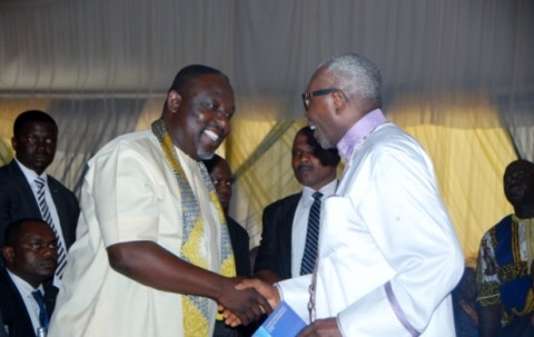 Gov Rochas Okorocha of Imo State in a handshake with Pastor Ayo Oritsejafor, President CAN during the burial of Pa Opara at Nguru, Aboh Mbaise LGA of Imo State recently.