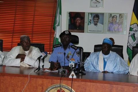 IGP SULEIMAN ABBA WITH DEPUTY GOV. JIGAWA STATE, AHMED M(R). GUMEL AND THE STATE SSG, ALH LAWAN ABDU(L) DURING A COURTESY VISIT TO THE IGP