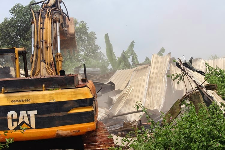 Aguleri den demolished
