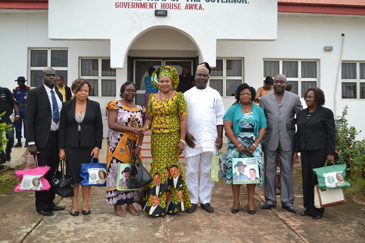 Wife of the Governor of Anambra State, Chief (Mrs) Ebelechukwu Obiano (Centre) in handshake with Director of NYSC Mrs Inyang Bassey Ekpe, Extreme left is Personal Assistant to the NYSC Director, Mr Ernest Mbonu, Assistant Director Public Relations, Mrs Anwuli Molokwu. On her immediate Right are Assistant Director, Corpers Welfare & Health Services, Mr Ifeanyi EzeajuGhu, Assistant Director Community Development, Mr Ayanda Ayorinde, Assistant Director Skills Acquisition & Entreprenurship, Mrs Loretta Ugwu, and Assistant Director Planning & Research, Mrs Chinyere Obidigbo during the NYSC courtesy visit at Government House Awka