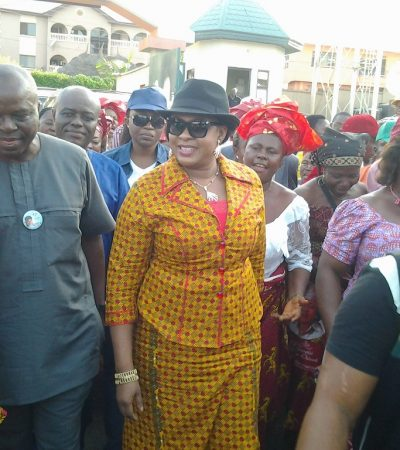 Nnewi Fire: Stella Oduah Condoles with Victims Families, Obiano