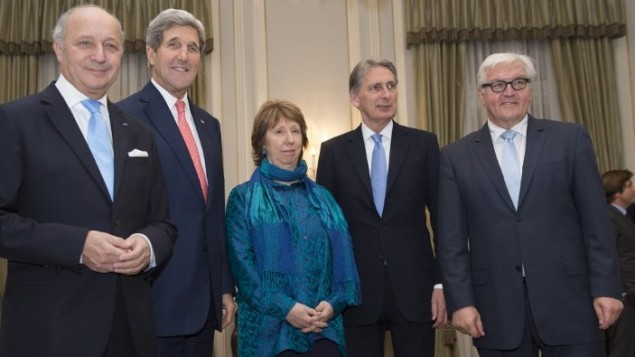 From left to right: French Foreign Minister Laurent Fabius, US Secretary of State John Kerry, former EU foreign policy chief Catherine Ashton, the High Representative of the Union for Foreign Affairs, Britain's Foreign Secretary Philip Hammond and German Foreign Minister Frank-Walter Steinmeier meet for the dinner at the residence of British ambassador in Vienna on November 23, 2014
