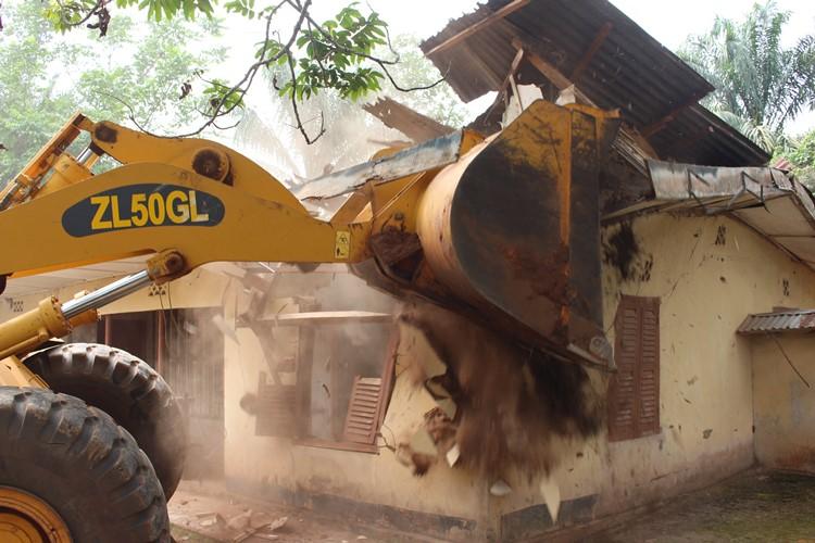 Azigbo den demolished
