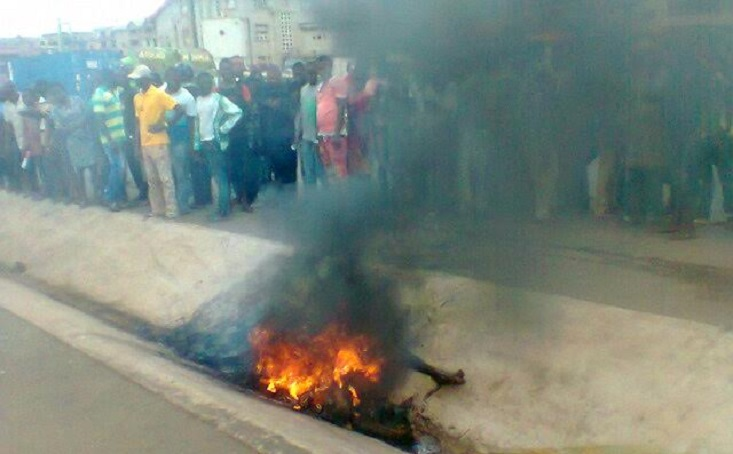 THE TWO ROBBERS WHEN THEY WERE SET ABLAZE YESTERDAY