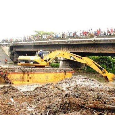 Gov. Ikpeazu Begins Dredging Of Aba River