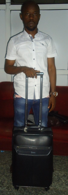 udeh onuora pascal with his bag