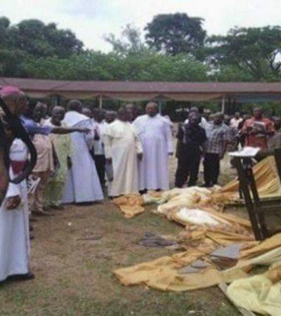 Mystery Snake Invades Church, BitesWorshiperTo Death