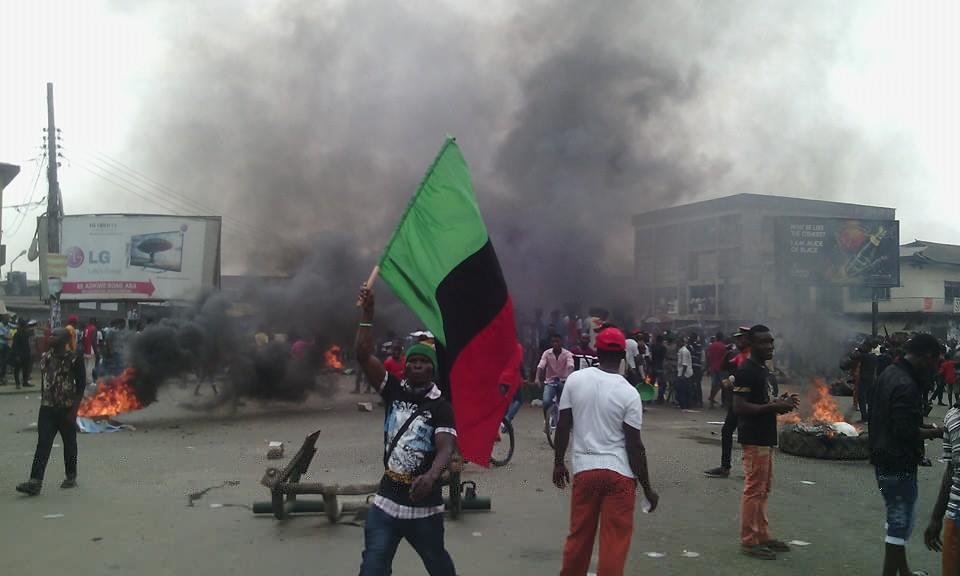 Pro Biafra protesters set bonfire, block roads