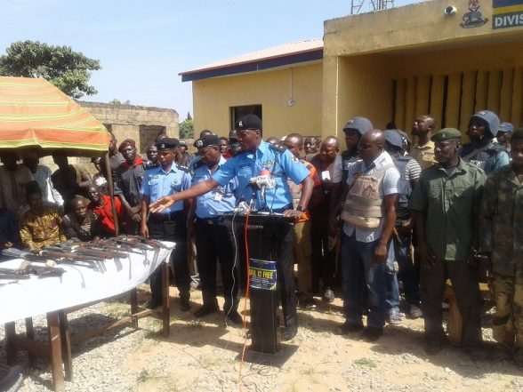Police Parades Dangerous Kidnappers, Armed Robbers In Abuja
