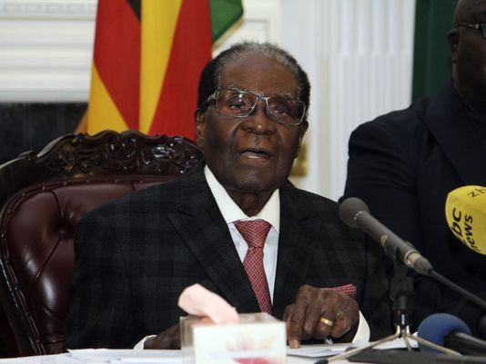 Zimbabwe's President Robert Mugabe ignores deadline to resign