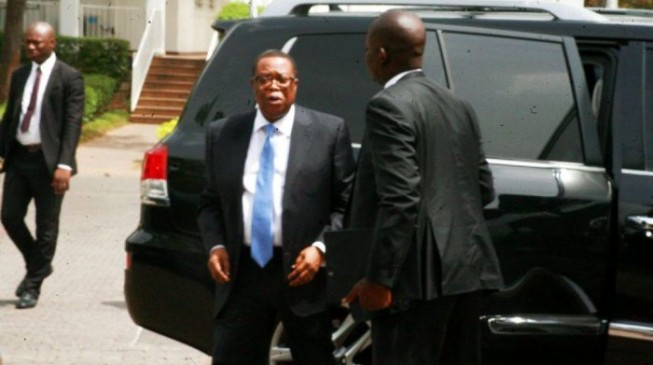 Heavily Armed Security Operatives Invade Official Residence Of Former NIA DG