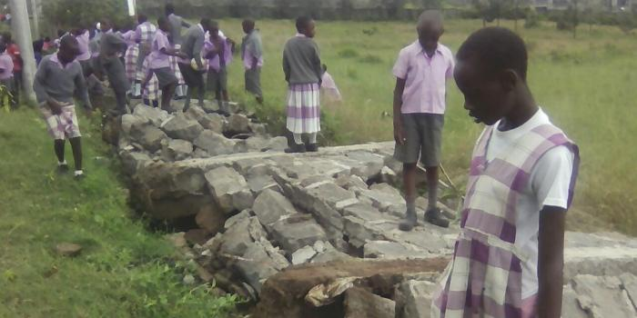 Residents, Primary School Pupils On Rampage In Edo, As Fallen Electric Wire Electrocutes Pupil
