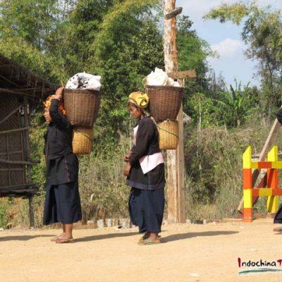 Myanmar villagers flee fresh Rakhine State fighting, enter Bangladesh