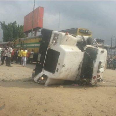 Train crushes truck driver in Aba