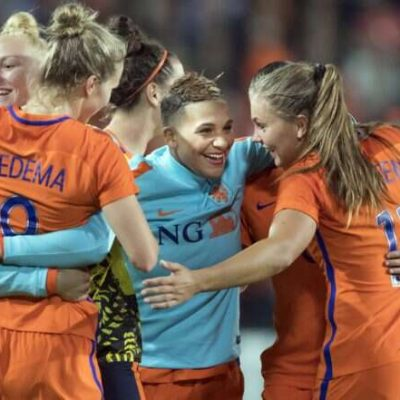 World Cup: Netherlands Beats Cameroon 3:1