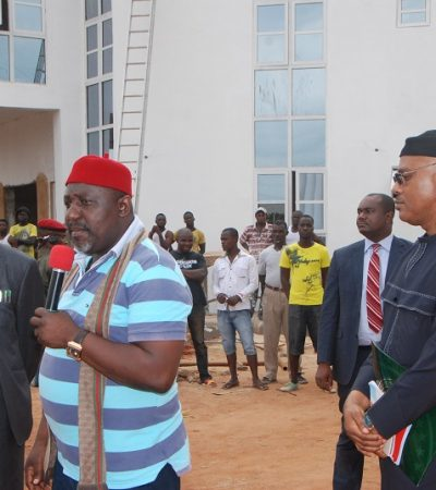 APC Chides FG, PDP Over Poor State Of Roads, As Governor Okorocha Storms Aba
