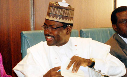 """Protesters Block Streets In Nasarawa, """"Al Makura Must Go, Bring Back Our Money""""; Labaran Maku, Others Join PDP Lawmakers"""