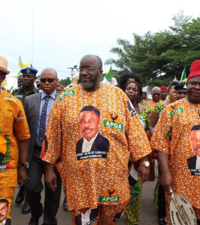 Gov. Obiano Defies Rain, Takes Jonathan, APGA Support Mission To Grassroots