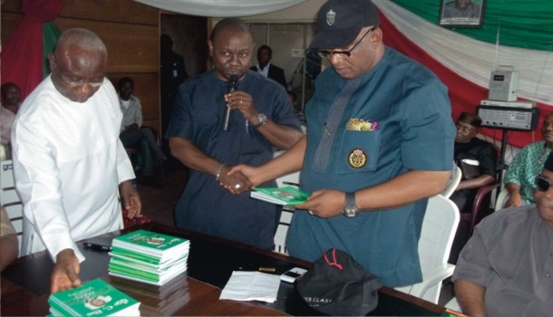Barr.-Ike-C.-Ibe-speaks-as-he-presents-his-book-