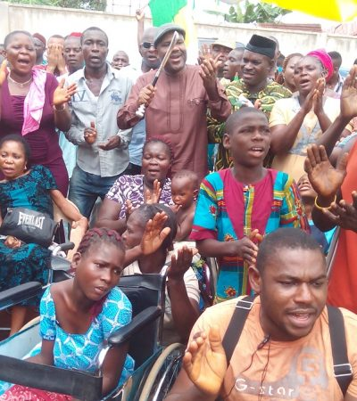 Anambra : Mass Exodus Hits APGA, As Afam Ogene, Supporters,Over 2,500 APGA Members Defect to APC
