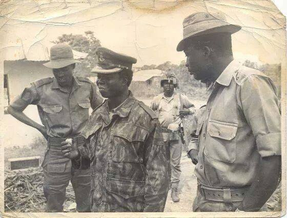 Mohammadu Buhari standing to the left... inside the then Biafra in Owerri. Buhari led a group of soldiers into villages of Nsukka and Abagana to kill women,  children and the sick