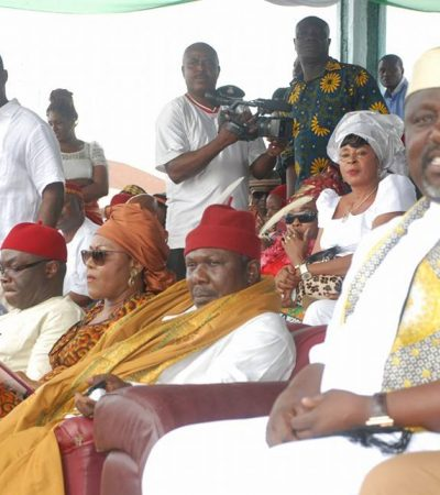 3 Die In Imo As Angry Mob Attacks Okorocha's Convoy