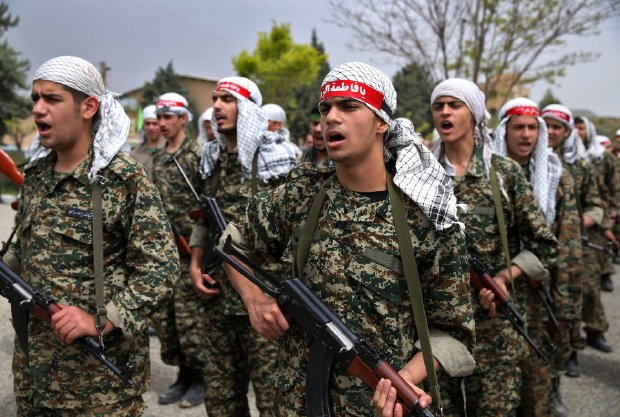 Iran sends 15,000 troops to support Assad in Syria