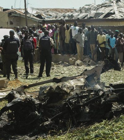 6 die in suicide bomb attack on Church