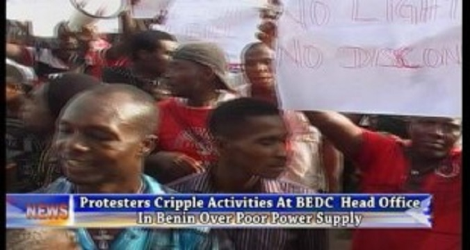 Electricity Consumers Shutdown Asaba BEDC Office Over Outrageous Bills