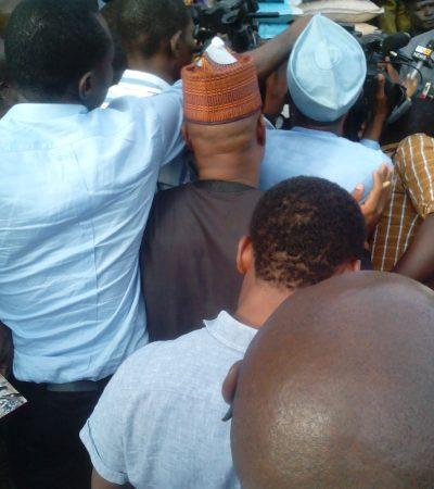 Bailout: Aisha Buhari Rescues APC Members With Food Items