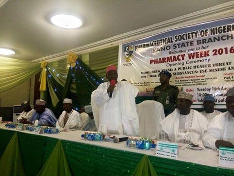 Ganduje Donates Land to Pharmaceutical Society of Nigeria