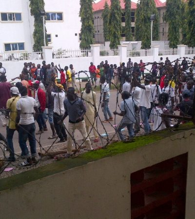 Drama As Pro Bauchi Gov's Thugs Grounds APC Secretariat