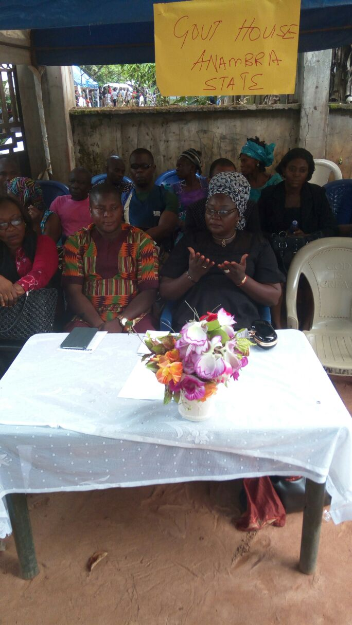 Rep of the Governor, Commissioner for Women Affairs Dr Victoria Chikwelu at the burial