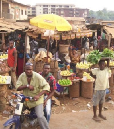 Onitsha Traders Protest Over N4m Theft At Shopping Plaza