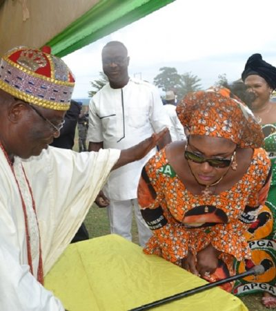 Igwe Ukpor Commends Mrs. Obiano's Commitment to Charity