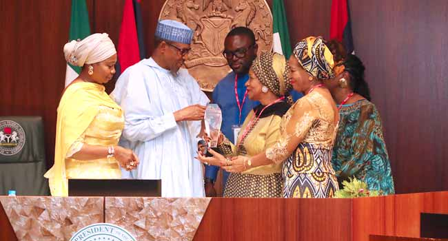 Concerned Nigerians Condemns Marthin Luther King Jr's Family For Giving Leadership Award To President Buhari