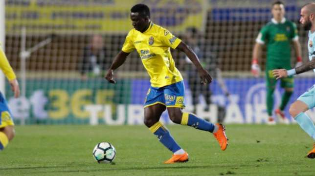 How Nigerian midfielder Etebo stopped Messi