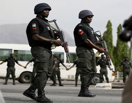 Police Arrest Man From Niger Republic With Ammunitions, Army Camouflage In Sokoto