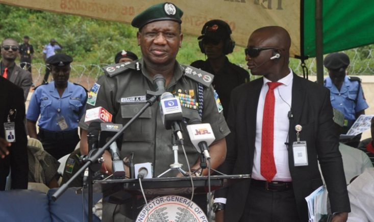 [Video] Humiliation: IGP Idris Unable To Read In Public
