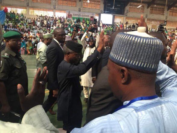 Osinbajo Applauds Ganduje For Training Over 1000 Youths