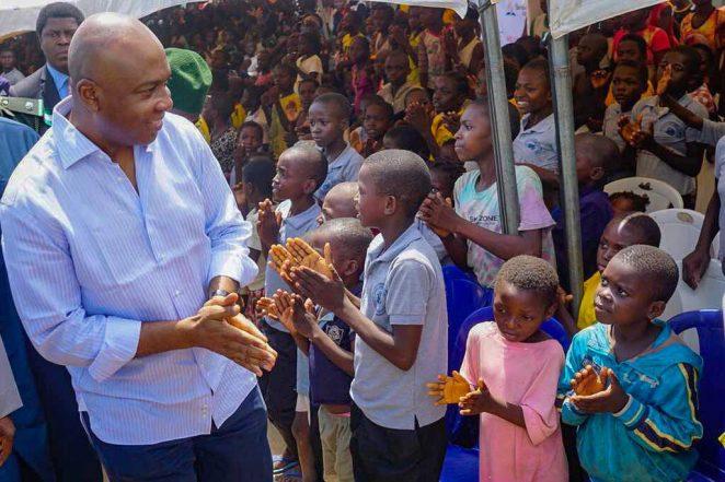 Saraki Marks Children's Day With IDPs In Benue