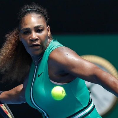 Serena withdraws from Italian Open with knee injury