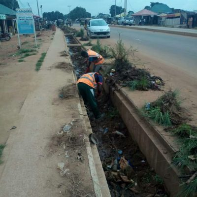 Kaduna govt starts clearing drainage, threatens sanction on offenders
