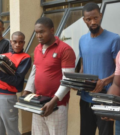 EFCC Arrests 33 Suspected Internet Fraudsters In Imo State